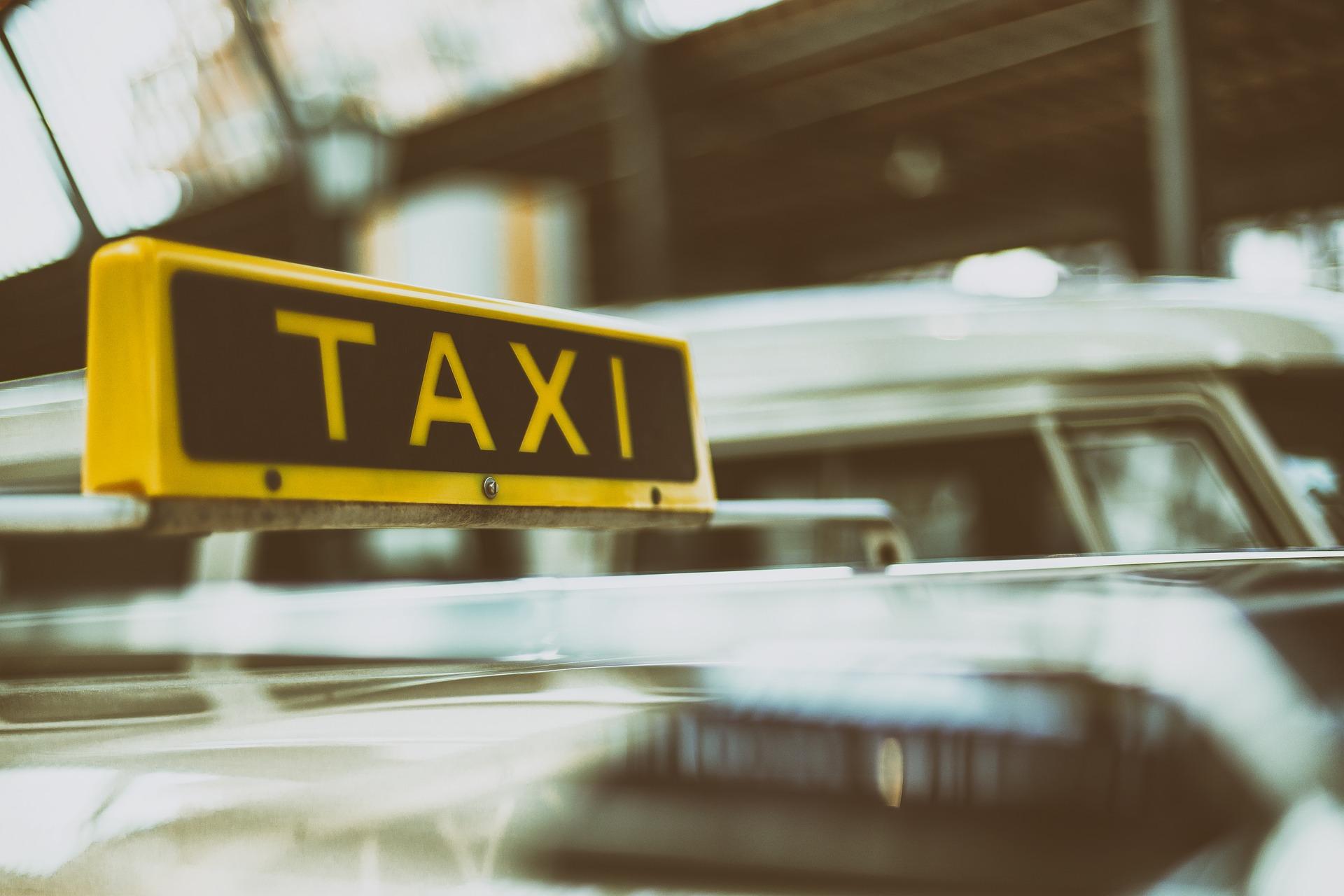 taxi i nerja